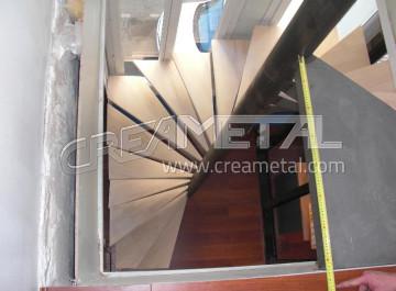 etude et fabrication escalier design droit avec garde. Black Bedroom Furniture Sets. Home Design Ideas
