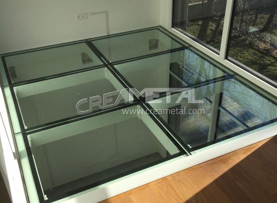 etude et fabrication mezzanine en acier avec dalle de sol en verre creametal. Black Bedroom Furniture Sets. Home Design Ideas