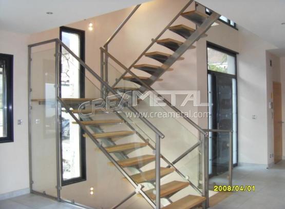 etude et fabrication escalier 2 4 tournant en inox avec marche en bois creametal. Black Bedroom Furniture Sets. Home Design Ideas