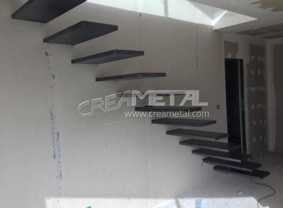 etude et fabrication escalier en acier avec marche suspendu creametal. Black Bedroom Furniture Sets. Home Design Ideas