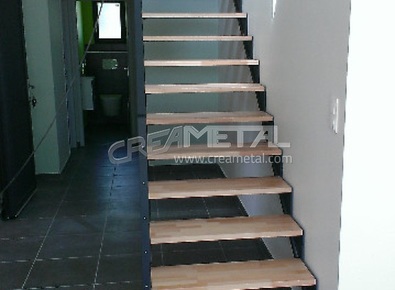 Etude et fabrication Escalier droit design installé à Belleville ...