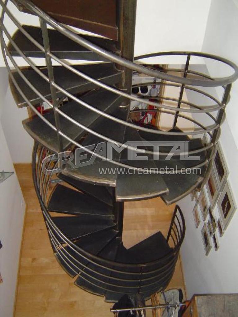 Escalier helicoidal en acier brut - Escalier colimacon acier ...