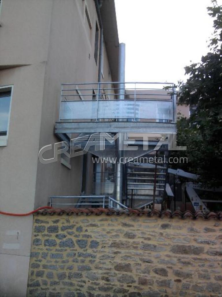 Installation d 39 un escalier avril 2011 - Installation d un escalier ...