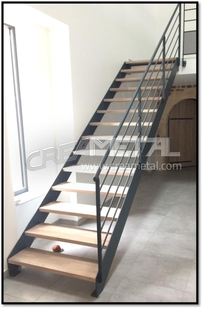 etude et fabrication escalier droit en acier sur mesure dans le 01 creametal. Black Bedroom Furniture Sets. Home Design Ideas