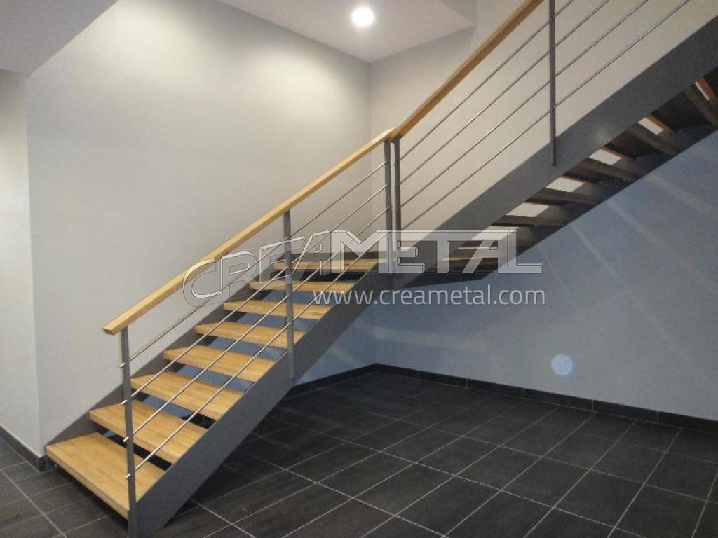 escalier en bois exotique id es de. Black Bedroom Furniture Sets. Home Design Ideas