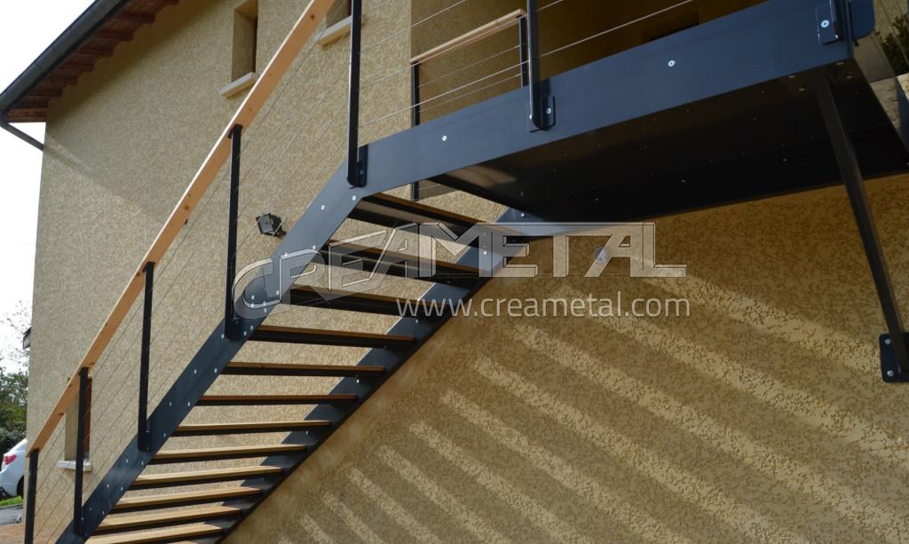 Fabricant escalier droit ext rieur en acier laqu et for Escalier droit exterieur