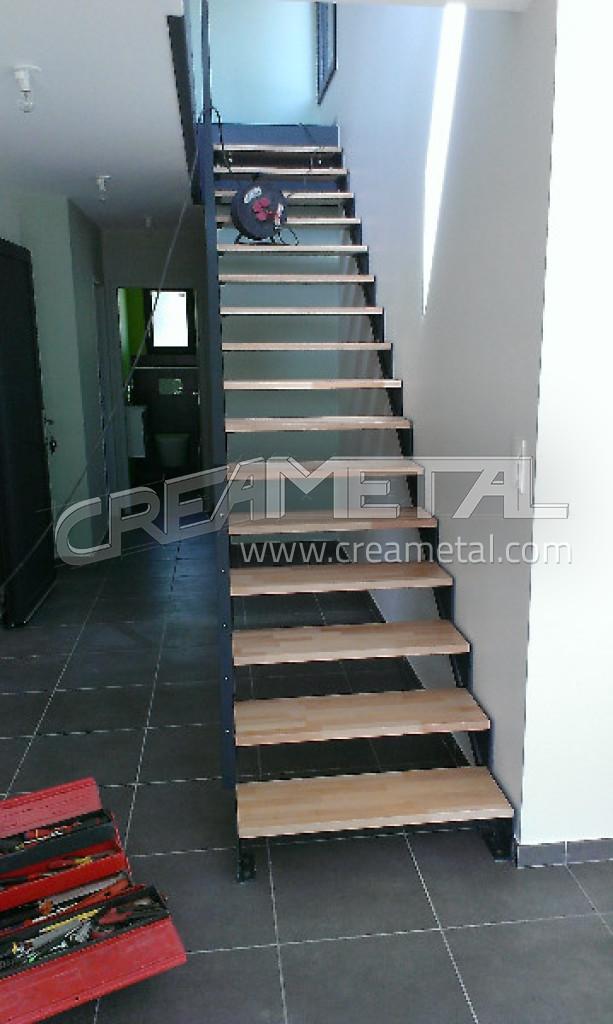 Fabricant d 39 escalier escalier m tal bois verre design for Fabrication escalier beton exterieur