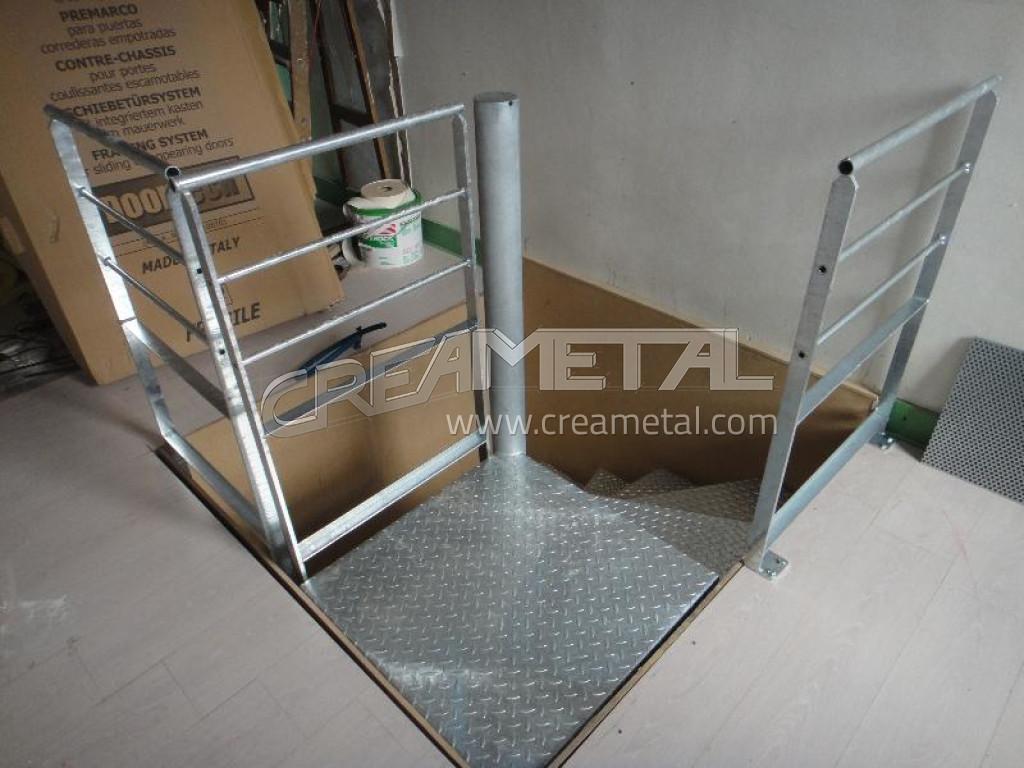 Fabricant escalier h lico dal en inox pour acc s l 39 tage for Fabricant escalier exterieur