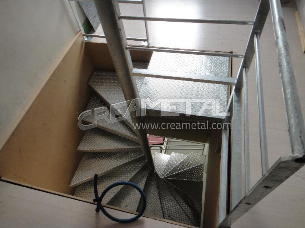 Escaliers rh ne entreprise de escaliers ain 7 for Escalier helicoidal exterieur