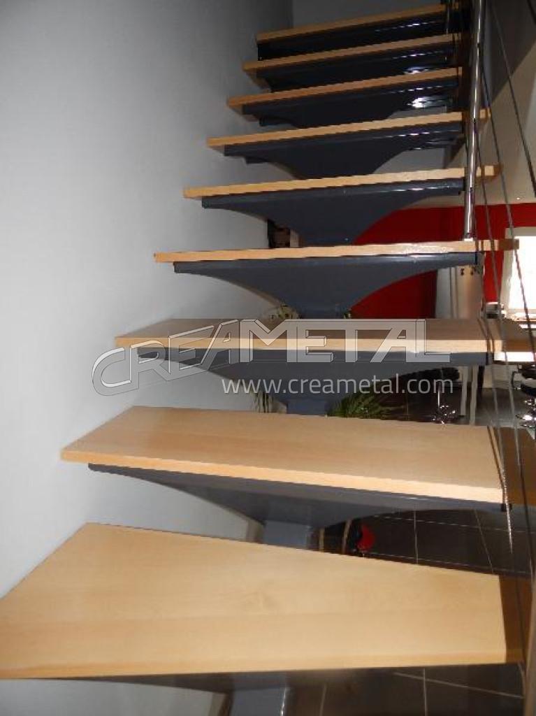 fabricant escalier en acier laqu limon central d billard. Black Bedroom Furniture Sets. Home Design Ideas