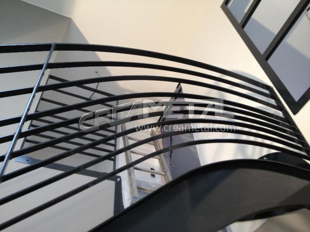 fabricant escalier garde moderne en acier laqu r alis dans l 39 ain lyon escalier moderne. Black Bedroom Furniture Sets. Home Design Ideas