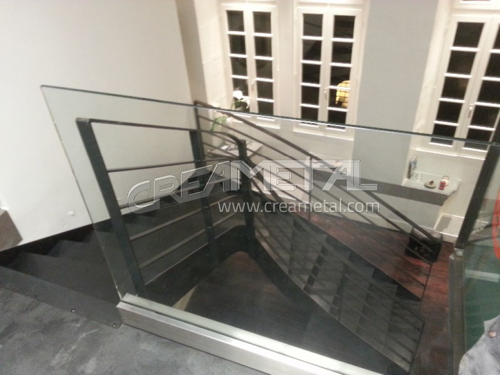 Etude et fabrication Escalier moderne 1/4 tournant balance en acier ...