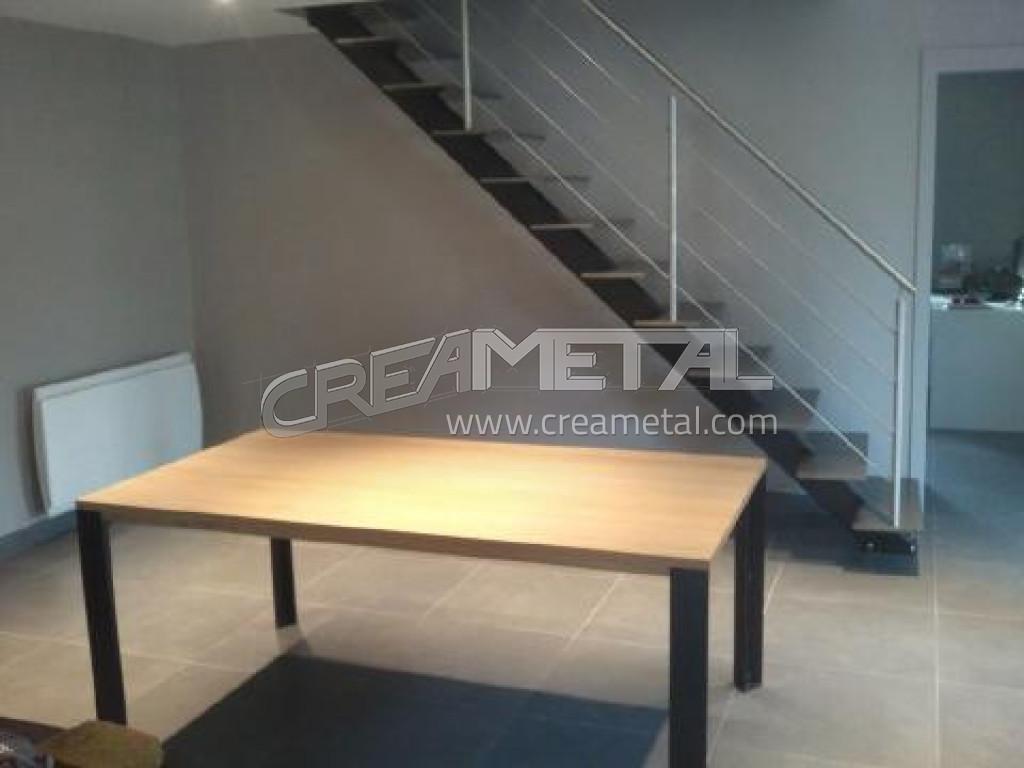 Etude et fabrication Escalier moderne à Montceaux dans l\'Ain - CREAMETAL