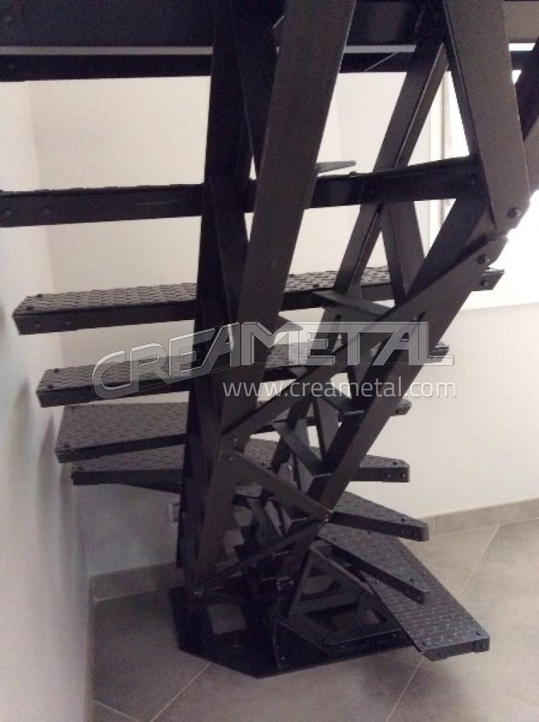 Fabricant escalier type eiffel etude et fabrication d 39 un for Plan escalier 1 4 tournant