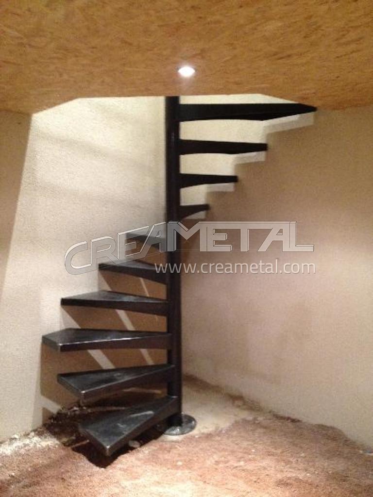 fabricant escalier en acier brut vernis incolore. Black Bedroom Furniture Sets. Home Design Ideas