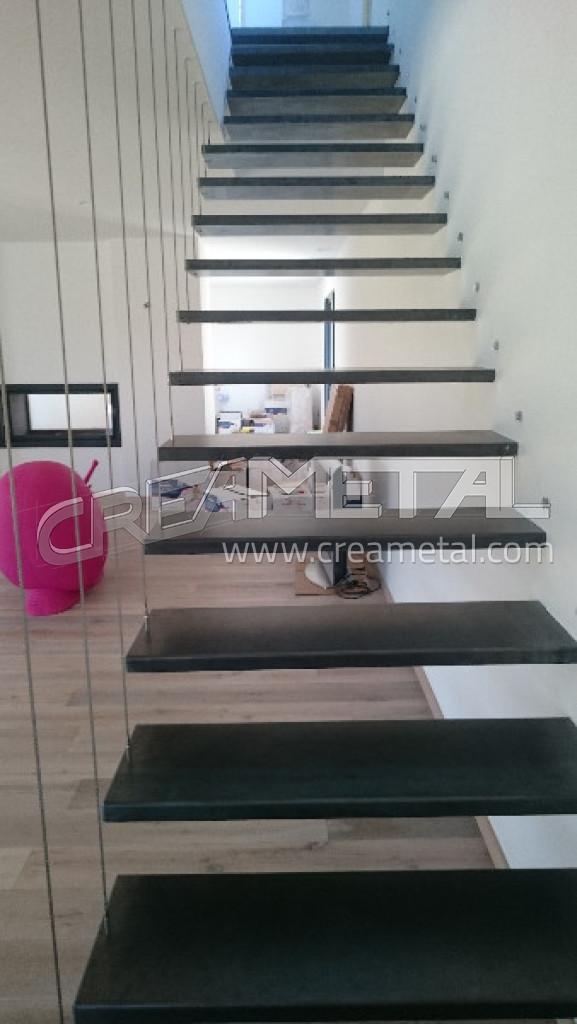 fabricant escalier int rieur en acier brut noir escalier. Black Bedroom Furniture Sets. Home Design Ideas