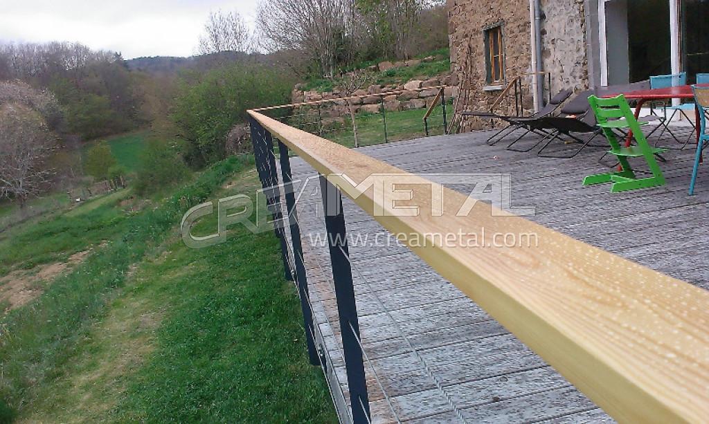 Fabricant etude r alisation sur mesure et installation de for Garde corps en bois exterieur