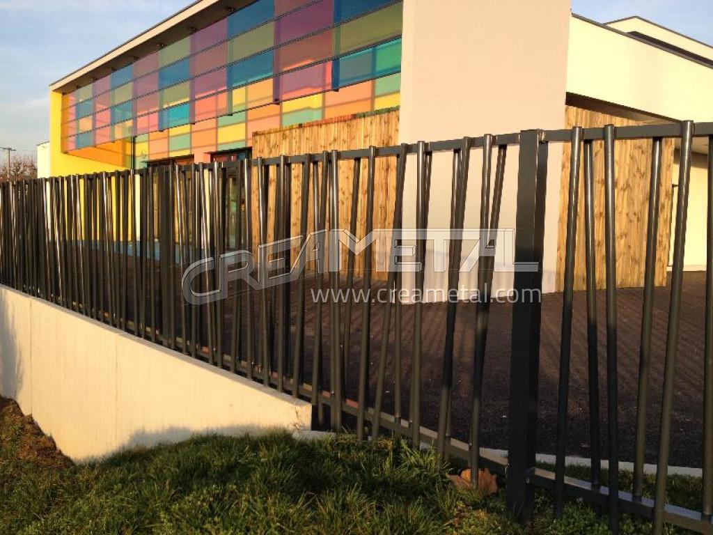 fabricant garde corps structural r alis pour une cr che en c te d 39 or lyon garde corps design. Black Bedroom Furniture Sets. Home Design Ideas